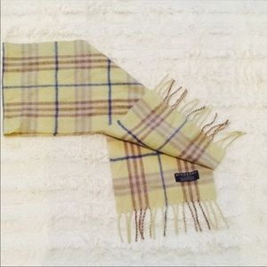 BURBERRY SCARF (100% Authentic)